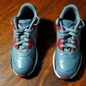 Nike sneaker boys 3